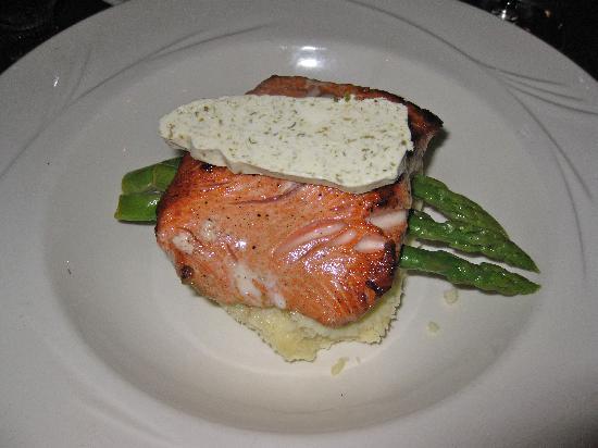 Creekside Restaurant: salmon