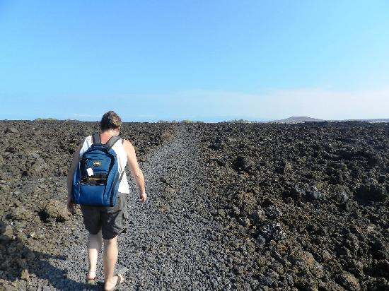 Makalawena/Pu'u Ali'i: The Trail Is Level And Easy To Walk (Just Not In Bare Feet!)