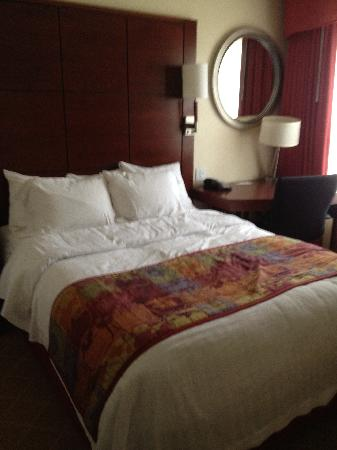 Residence Inn Boston Marlborough: 1 of the bedrooms