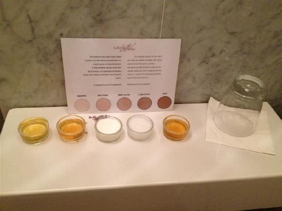 Residenze Suite Sistina: lovely toiletries beautifully presented