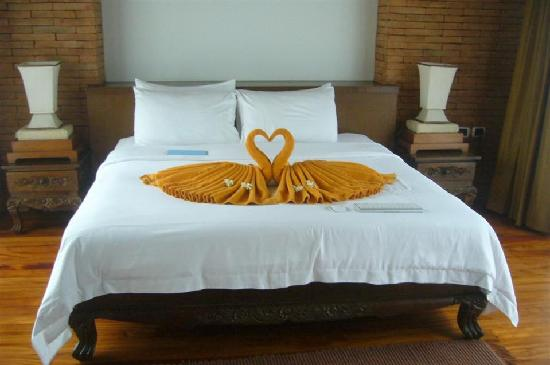 Malisa Villa Suites: Bed