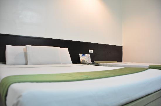 Hotel Pier Cuatro: my bed