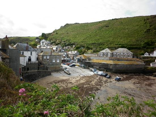 Pendoggett, UK: The beach at Port Isaac