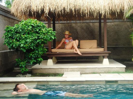 Gili Villas: shaded daybed and very clean pool (excuse my posing:)