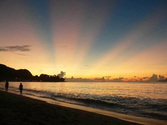 Berjaya Beau Vallon Bay Resort & Casino - Seychelles: Sunsets to make you melt