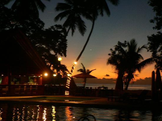 Berjaya Beau Vallon Bay Resort & Casino - Seychelles: The sun setting on another gorgeous day