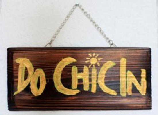 Do Chic In: DoChicIn Signage