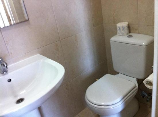 Perouse Lodge: toilet
