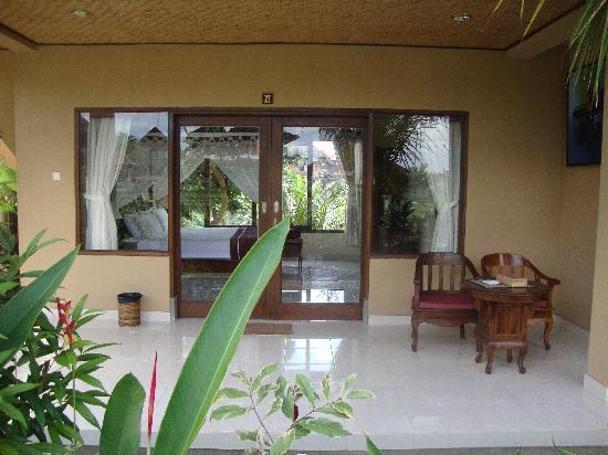 Sri Bungalows: Veranda