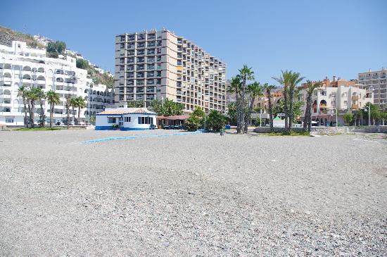Apartamentos Chinasol: View from beach