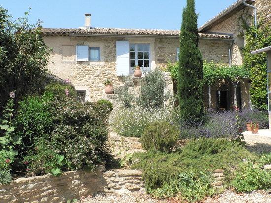 Les Artisanales en Provence : Notre chambre d'hotes : ancienne bastide entièrement rénovée