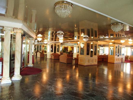 Porto Rio Hotel : Parte do piso de entrada/Part of the entrance floor
