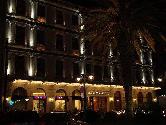 Menelaion Hotel: Front Hotel at Night