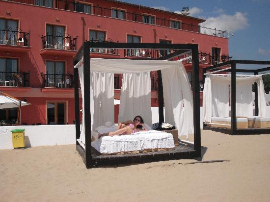 Dune Hotel : Private Hotel Cabanas on the beach