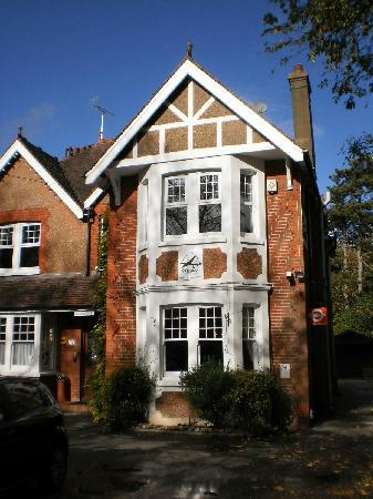 Springwood Guest House Gatwick: guesthouse