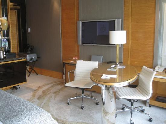 Four Seasons Hotel Hong Kong: 部屋2