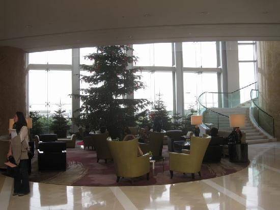 フォーシーズンズホテル香港, ロビー