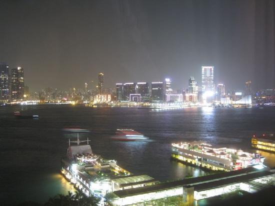 フォーシーズンズホテル香港, 部屋からの夜景