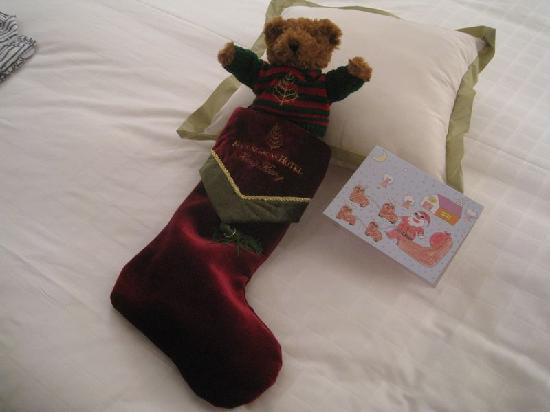 フォーシーズンズホテル香港, プレゼントのクマ