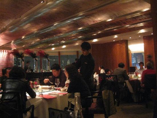 フォーシーズンズホテル香港, レストラン「龍景軒」
