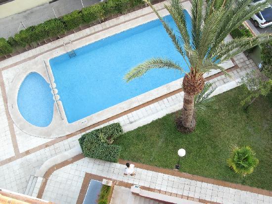 Apartamentos La Caseta: pool view