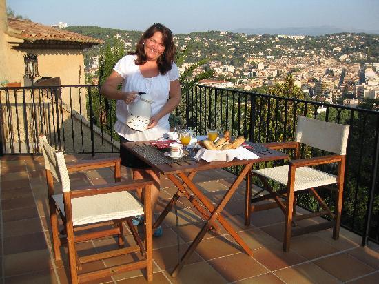 Le Mas Samarcande: Frukost med utsikt!