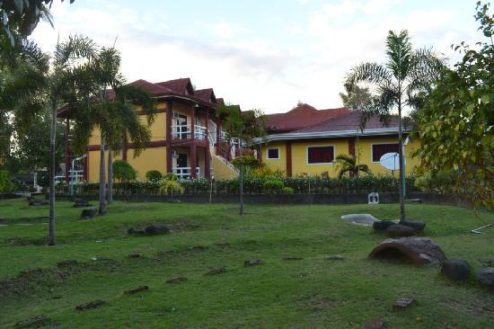 Bakasyunan and Conference Center: private room accomodation