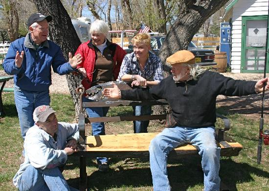 Lucy's RV Park: Telling Stories on the liars Bench!