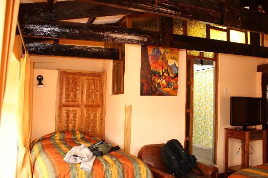 Amaru Hostal : Bathroom had hot water
