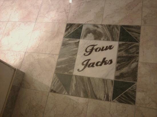 Four Jacks Hotel/Casino: floor entering our room