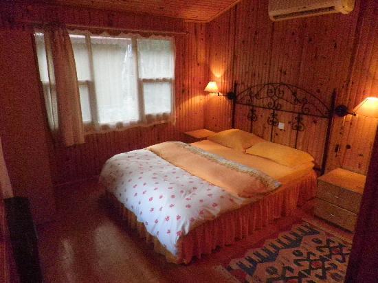 Kibala Hotel: Bed room