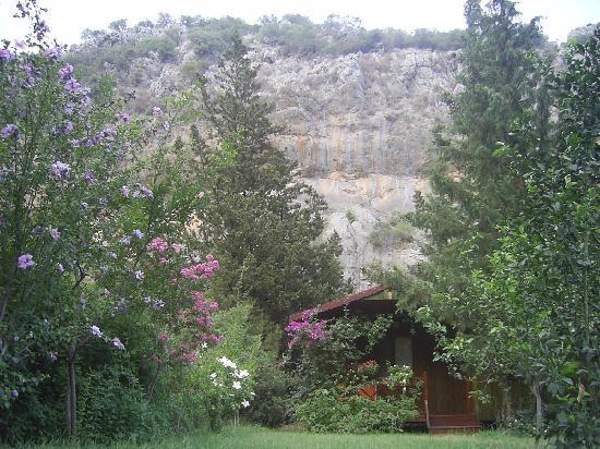 Kibala Hotel: Bungalow from the garden