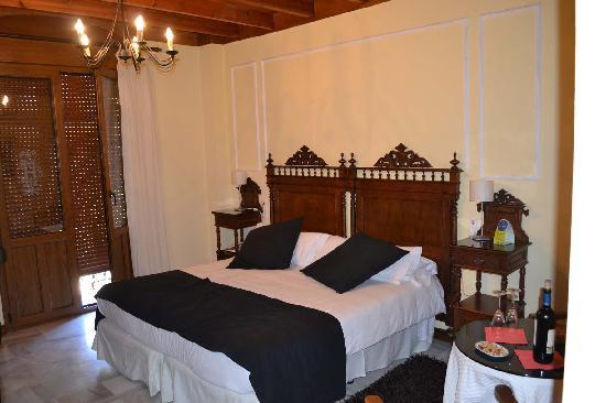 Comercio: Habitación cama matrimonio