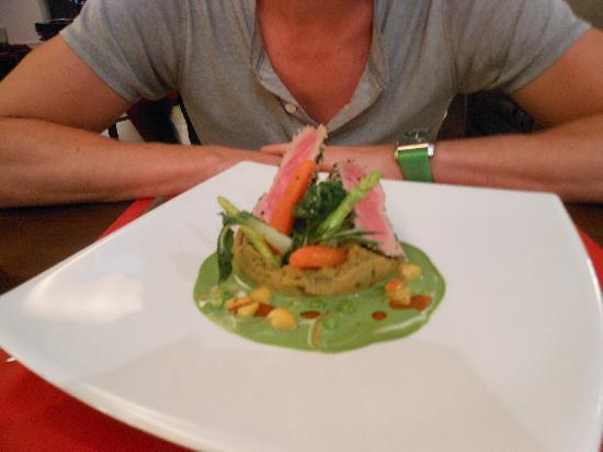 Red Snapper Restaurant & Bar: Truly Top notch Tuna