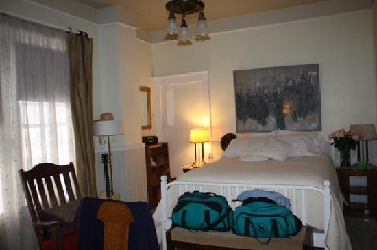 Cedar Hill Bed & Breakfast: Clean, comfortable AND A GREAT BED