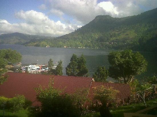 Inna Parapat: The Lake Toba and The hotel...