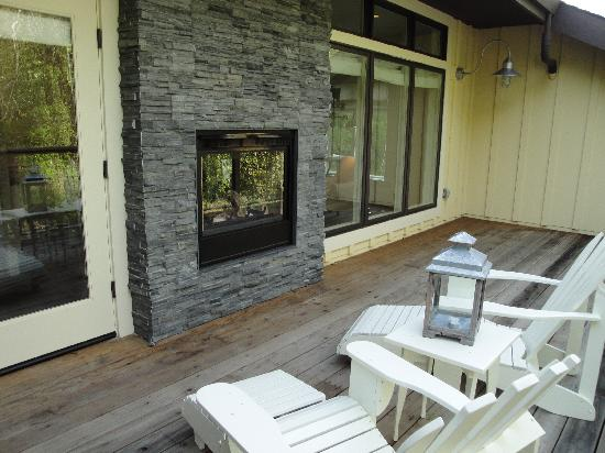 2 way fireplace deck picture of farmhouse inn for 2 way fireplace