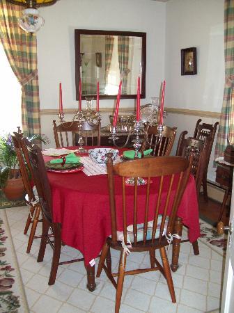 Greenwood Bed & Breakfast: Dining Room