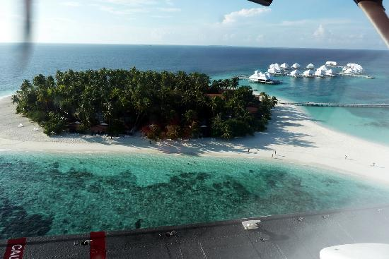 Diamonds Thudufushi : Aerial view