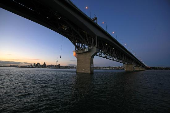 Auckland Bridge Bungy - AJ Hackett Bungy