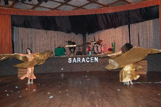 Saracen Resort Beach & Congress Hotel : spettacolare danza del ventre