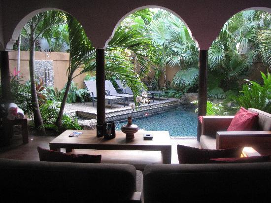 Baoase Luxury Resort: Villa pool/ outside seating area
