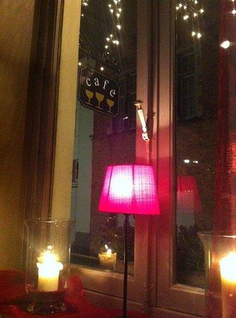 Cafe Rose Red: desde dentro