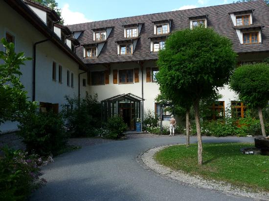 Hotel Bibermuehle: Front Entrance