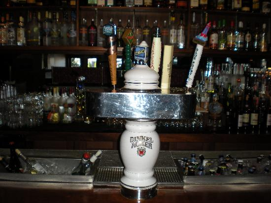 Pomodorino Restaurant of Huntington: Drafts on Tap: Palm, Peroni, Bud, Sam Adams, Blue Moon & Blue Point