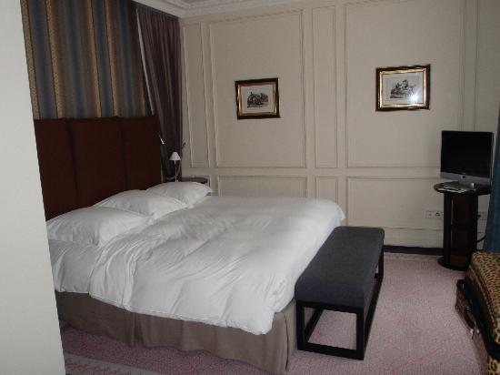 Hotel de la Tremoille: Bedroom