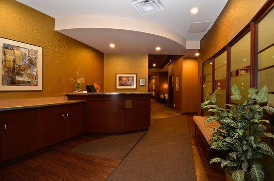 Rib Room & Lounge