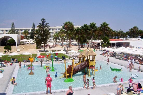 Louis Phaethon Beach: The Kids Pool