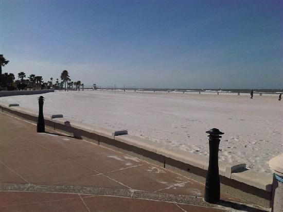 Clearwater Beach: The advantage of a cold windy day - an empty beach