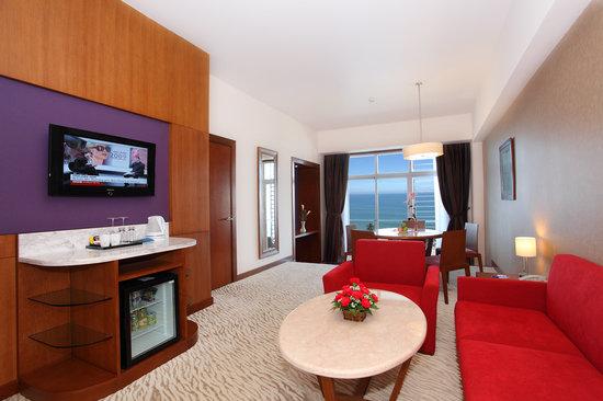 Novotel Nha Trang: Suite Living room